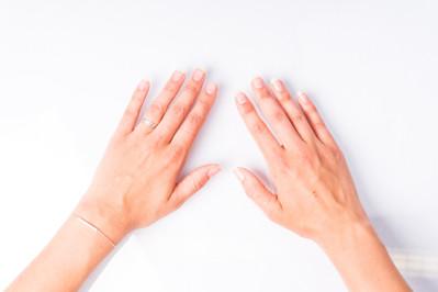 Caroline hands48.jpg
