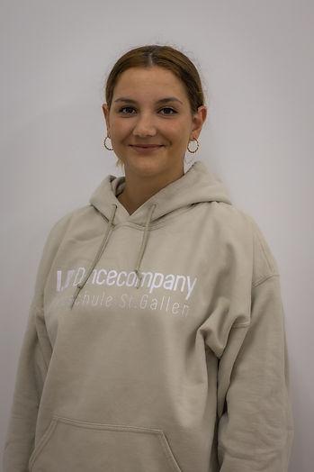 Chiara, IB Dance company, Jugendliche, junge Erwachsene, Jazz, Contemporary, Hiphop, Mitglied, Bewegung, Gefühl, Improvisation