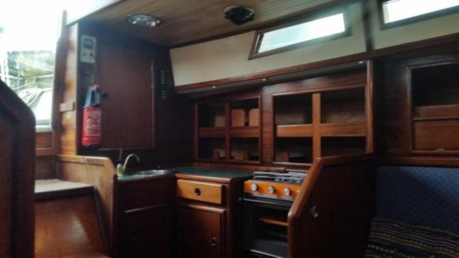 Lone Gull Interior - Kitchen.png
