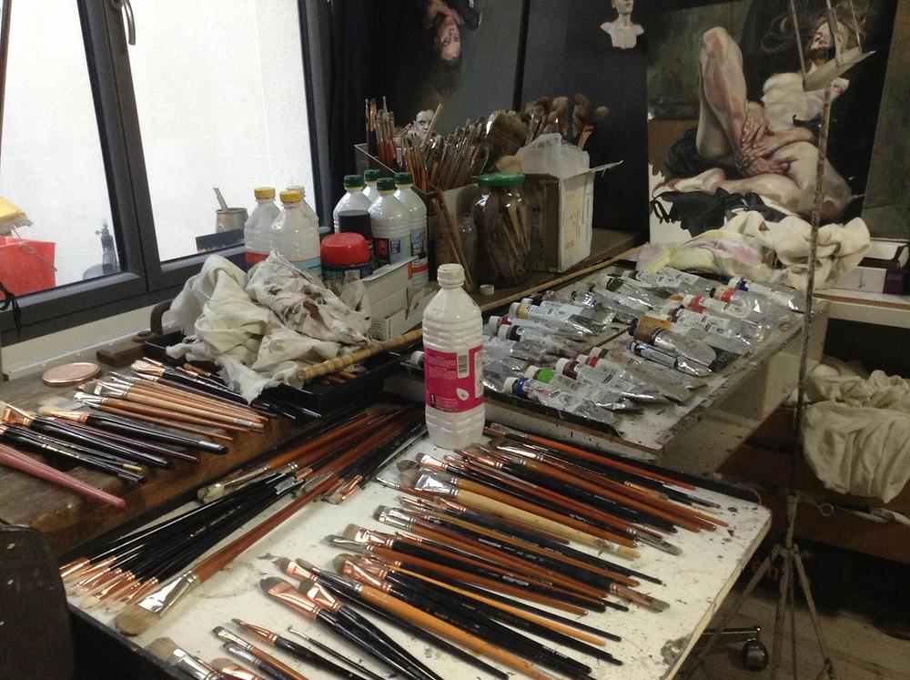 tubes de peinture à l'huile, pinceaux, brush, pots