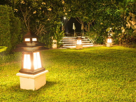 Three Types Of Vintage Landscape Lighting Retro Fans Love
