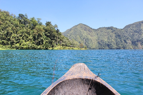 boat on lake holon