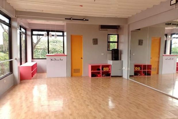 dance lab studio shot 2
