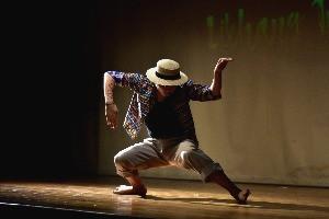 dance pose 1