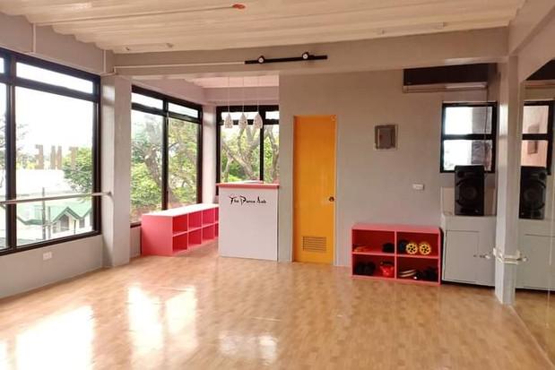 dance lab studio shot 3
