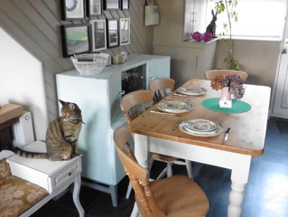 December holiday project: Pine Farmhouse kitchen table & 4 chairs
