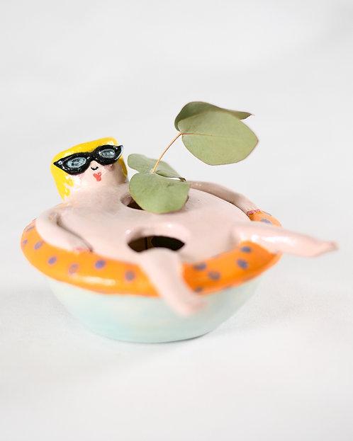 Float Lady