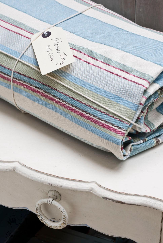 Desgastados en Blanco con madera de fondo - Annie Sloan - Chalk Paint - Annie Sloan Fabrics - TRATE Tienda Taller