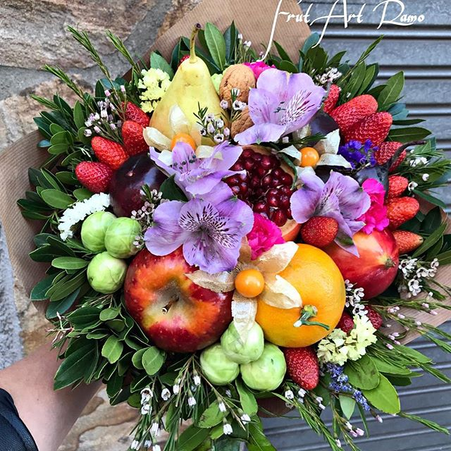 Ramos realizados con frutas de Frut Art Ramo