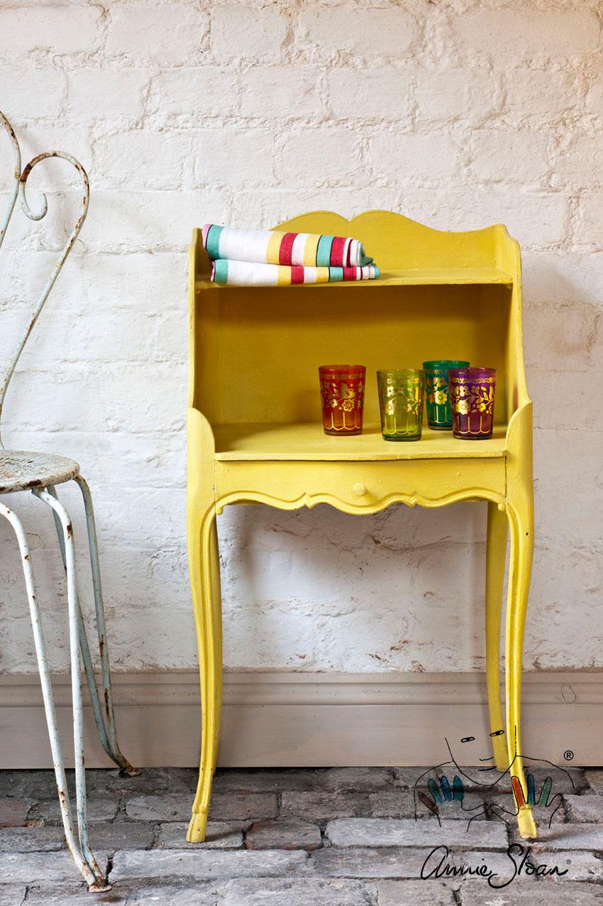 Mesilla en English Yelow detalles de color - Fotos Annie Sloan - Chalk Paint - Decoración - TRATE Tienda Taller