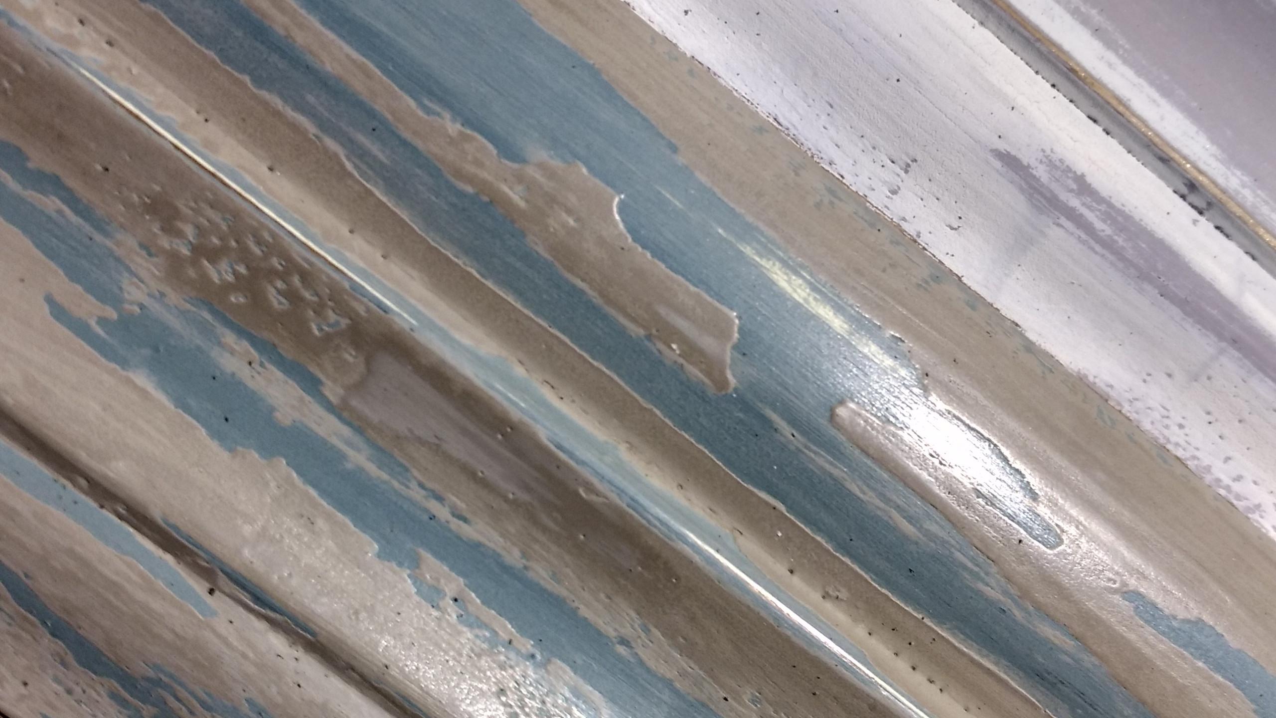 Muestras de efecto decapado en dos colores. Chalk Paint™ Annie Sloan. Paloma/Old-White, Versailles/Olive y Duck Egg Blue/Country Grey.