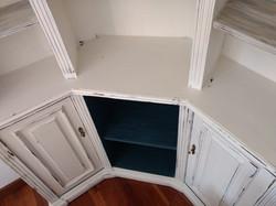 Mueble de salón pintado