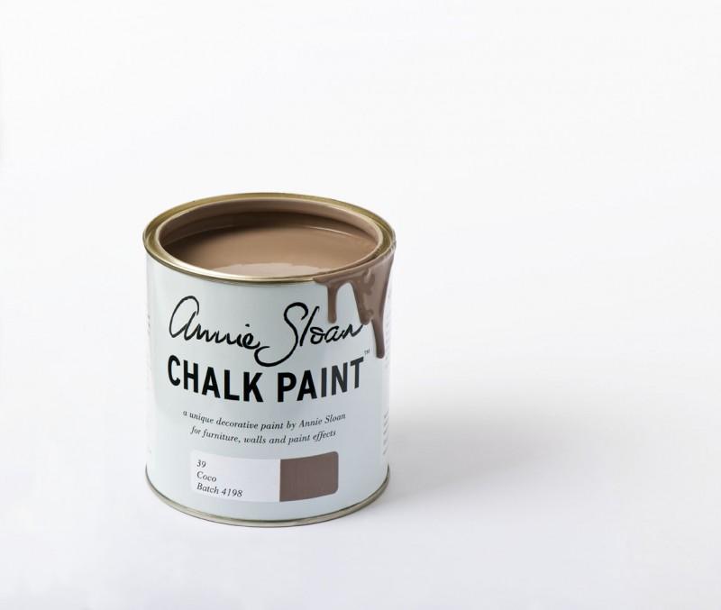 Un marrón suave con un tono calido rosaceo de Chalk Paint Annie Sloan - TRATE Tienda Taller