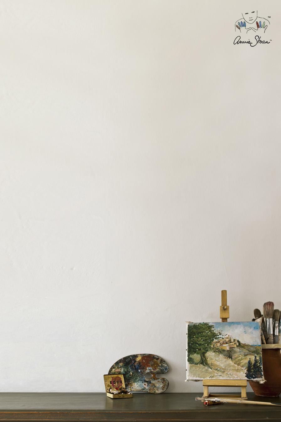Old White un color blanco con un punto grisaceo nos da luz y amplitud a las estancias - Wall Paint - Foto Annie Sloan