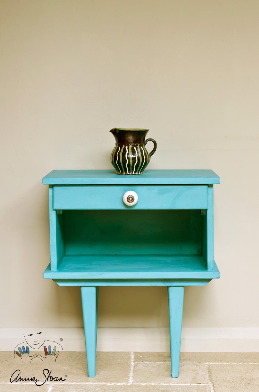 Mesilla en English Provence detalles de color con muebles auxiliares- Fotos Annie Sloan - Chalk Paint - Decoración - TRATE Tienda Taller