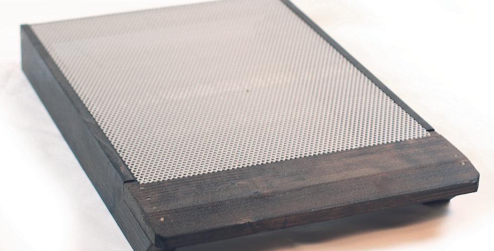 10.250 Plateau de ruche avec grille alu perforée