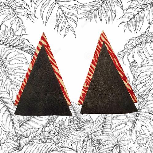 Boucles d'oreilles pyramides cuir noir-zébré rouge / Pyramid earr