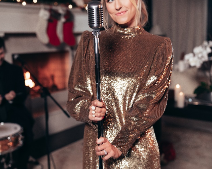 """Jillian Cardarelli Releases """"Baby Please Come Home"""" & """"Rockin' Around The Christmas Tree"""" Medley"""