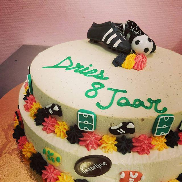 Verjaardag taart football fan #ijs #ijsa