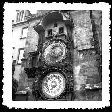1200 NOIRE horloge.png