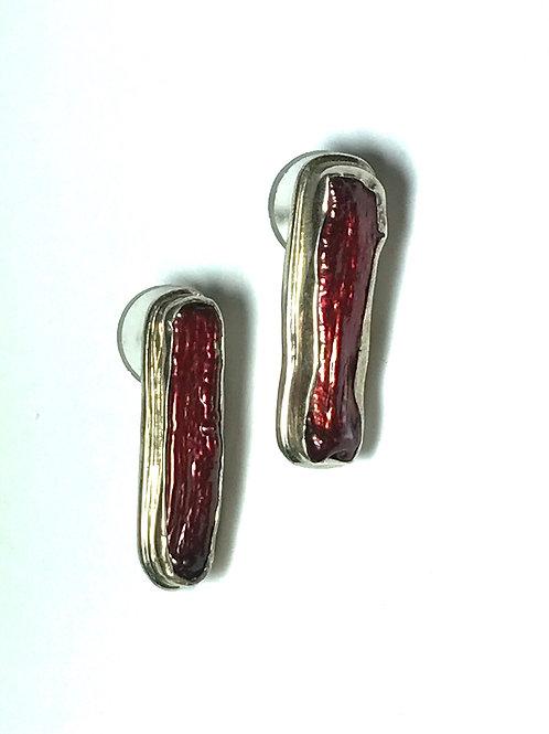 Reddish Purple Cultured Freshwater Biwa Pearl Stick Earring