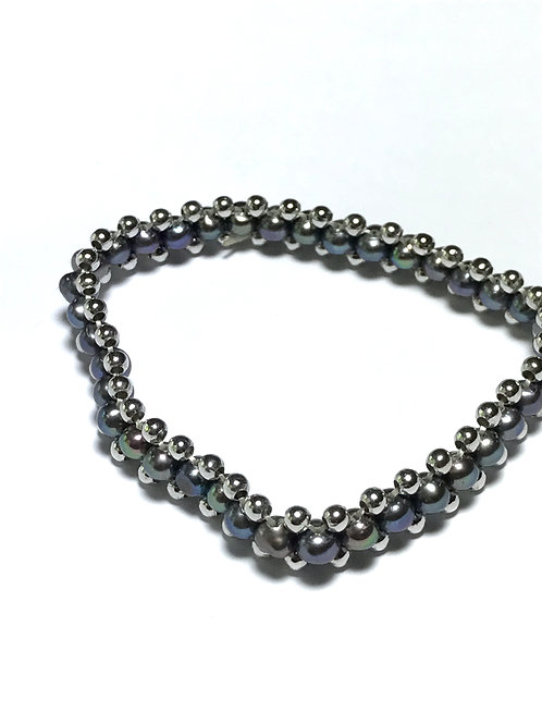 Black Peacock Pearls with Beads Stretch Bracelet