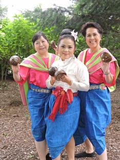 Coconut dancers