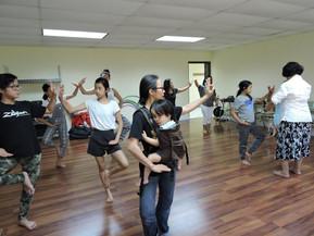 Everybody loves to Thai dance