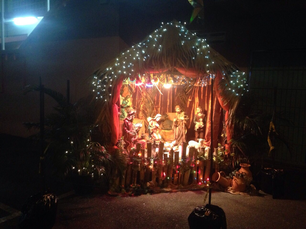 Creche at night 2014