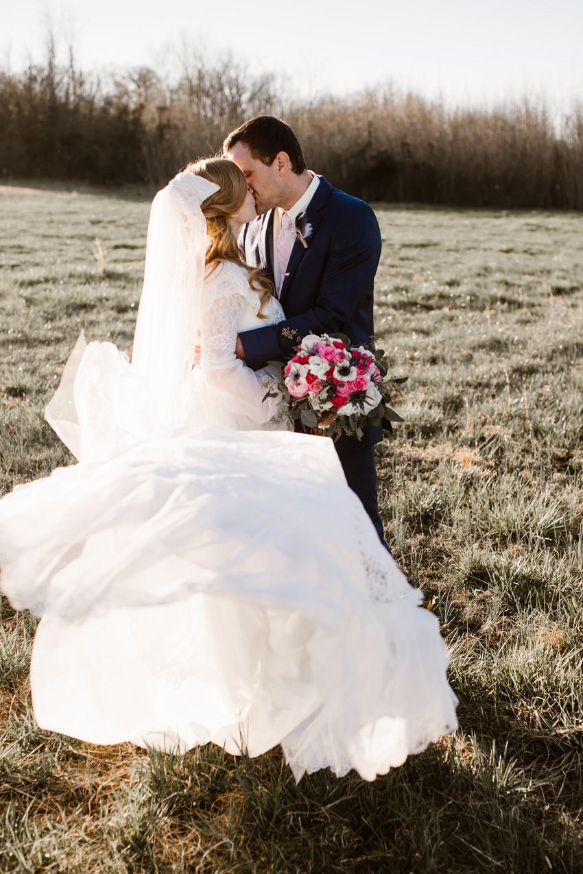 30-Stunning-Vintage-Bride-Groom