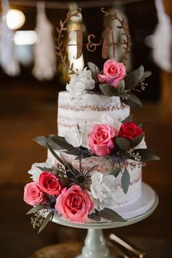 40-Rustic-Vintage-Semi-Naked-Wedding-Cak