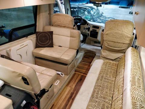 newaire-interior_50511324947_o.jpg
