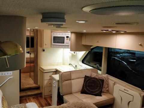 newaire-interior_50510447728_o.jpg