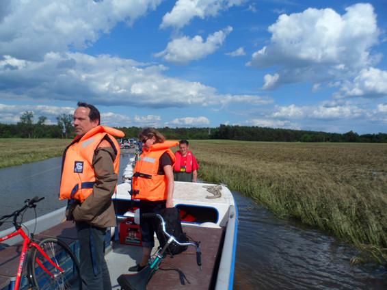 Shuttleservice für vom Wasser eingeschlossene Personen