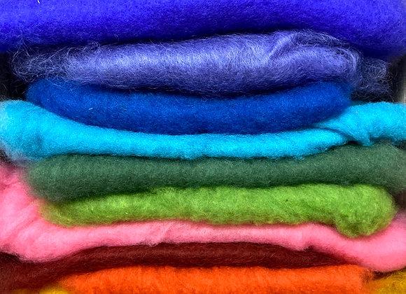 Mixpåse med kardad färgad ull