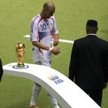 2006年7月11日サッカードイツW杯 産経新聞に掲載