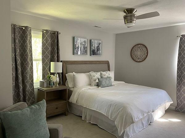 15 Springwood King Bedroom.jpg