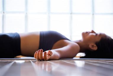 yoga-para-dormir-mejor_812x541_03c5214d.