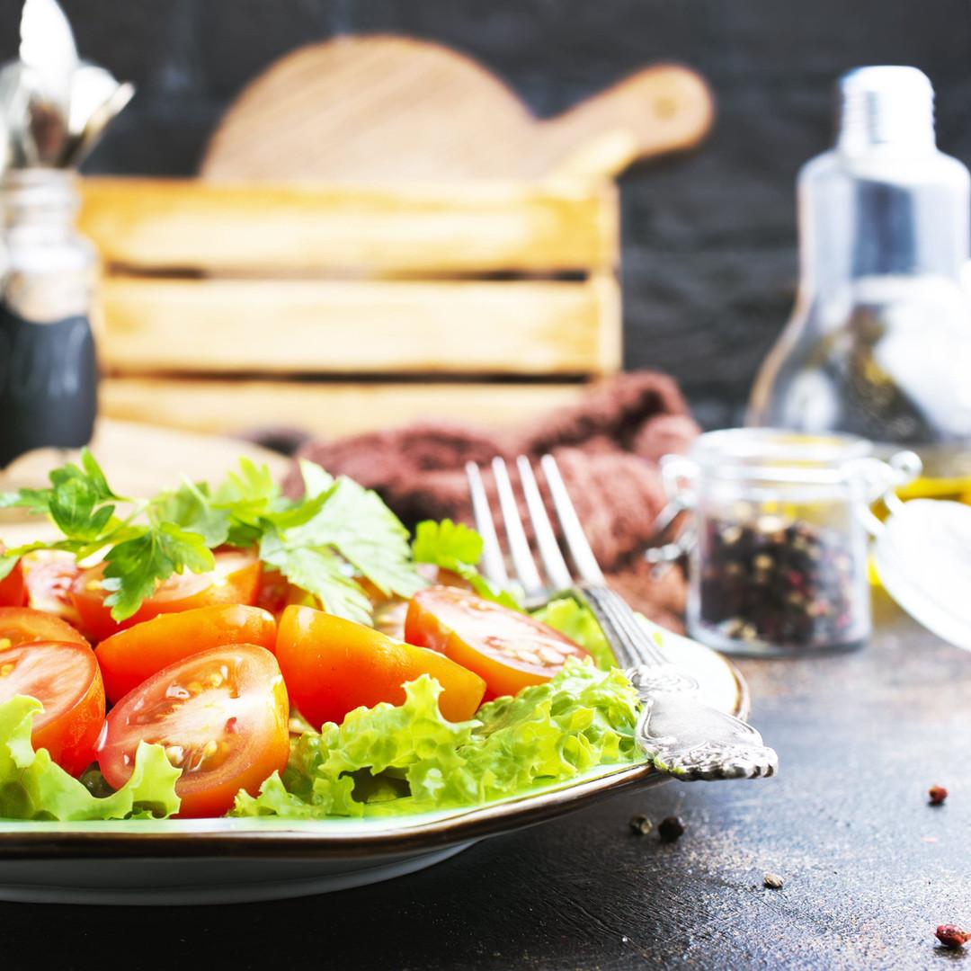 salad-CD5Y2HS-min-min.jpg