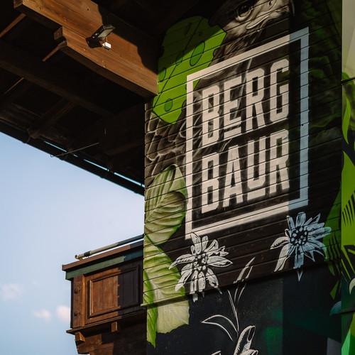 bergbaur-hotel-neukirchen-am-grossvenediger-farmers-home-mural-verwolf_wolfgang_scherzer-m