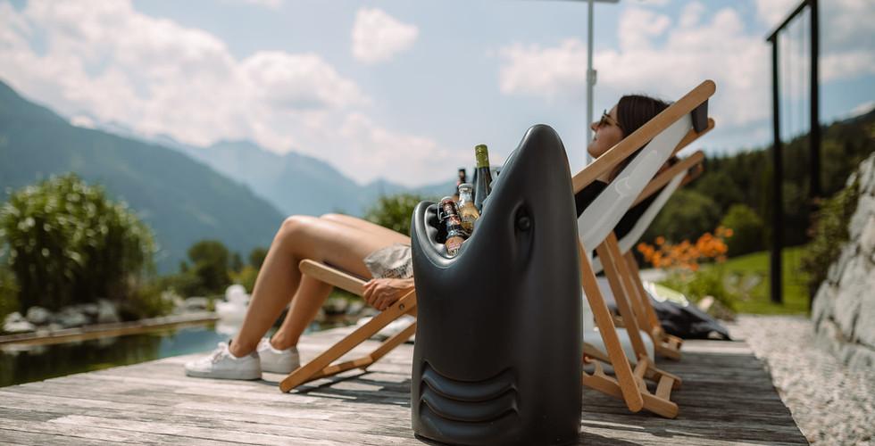 BergBaur-hotel-neukirchen-am-grossvenediger-alpine-beach-club-shark-01_verwolf_wolfgang_sc