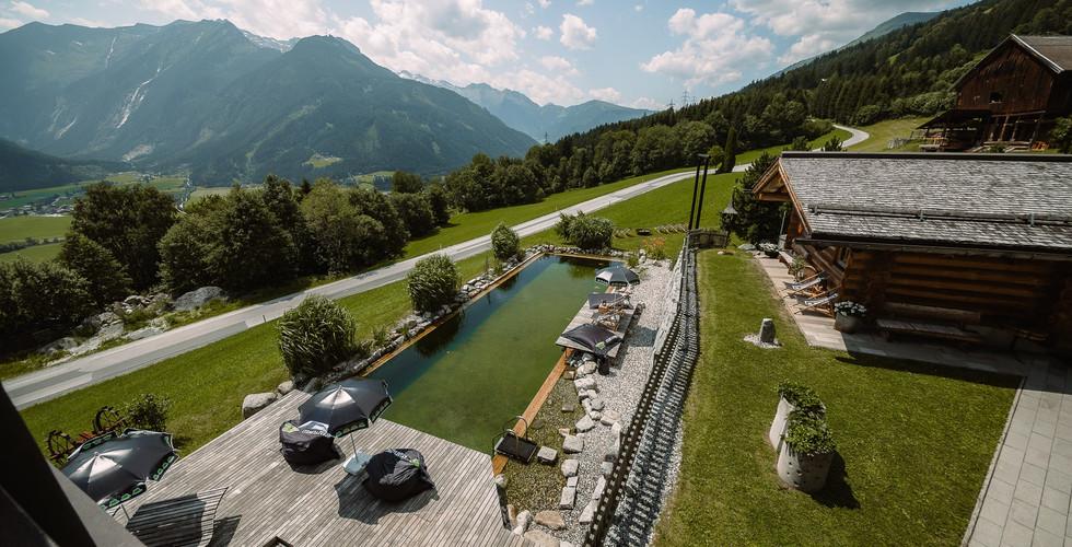 BergBaur-hotel-neukirchen-am-grossvenediger-alpine-beach-club-02_verwolf_wolfgang_scherzer