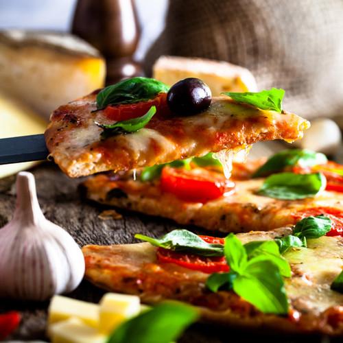 pizza-B8KG3FS-min.jpg