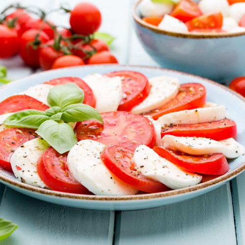 classic-caprese-salad-mozzarella-tomatoe