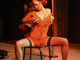 burlesque-4.png
