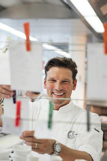 Christian-Jürgens-in-seiner-Küche-im-Res