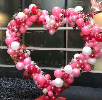 Valentine Balloon Sculpture.jpg