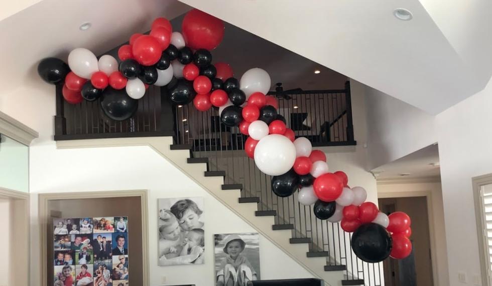 Organic Balloons balloon decor