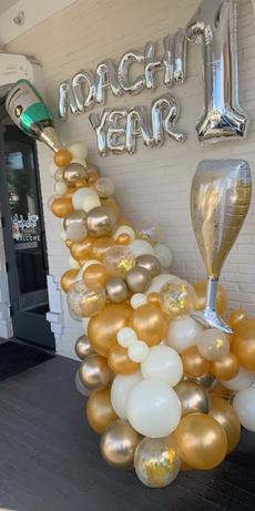 Champange balloon decor.jpg