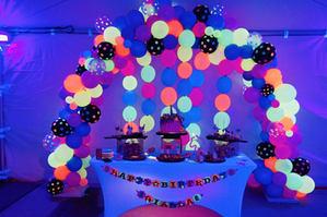 Neon Balloon Arch Organic.jpg